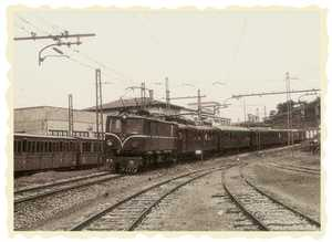 41. Deba, arrival of the mail train.
