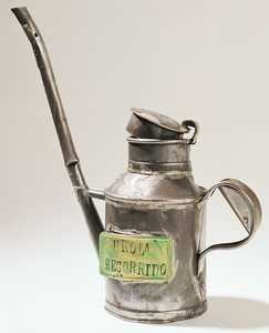 71. An oilcan from the Urola Railway.