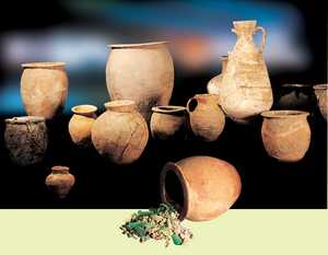 162. Most of the funerary urns from the necropolis of Santa Elena are common domestic pottery vessels, and they include many kitchen pots.© Xabi Otero