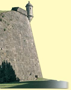 57. Hondarribia. The Queen's Bastion with its sentry box.© Gorka Agirre
