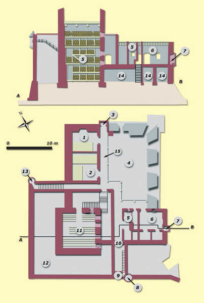 34. St. Elmo's Castle (Hondarribia). (Drawing based on plan from 1755):1-Corps de garde and kitchen; 2-Troop barracks; 3-Latrines; 4-Battery for five guns; 5-Chapel; 6-Officer's quarters; 7-Latrines; 8-Southern sentry box; 9-Access; 10-Second door with coat of arms and inscription; 11-Tower; 12-Tower insulation; 13-Northern sentry box; 14-Underground area; 15-Porch.© Juan Antonio Sáez